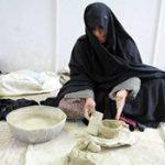 زنان لالجین پای کوره های سفال