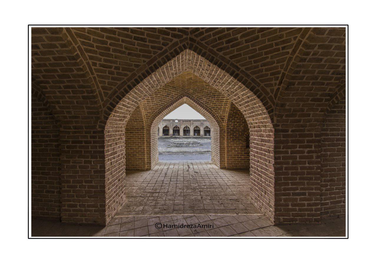 کاروانسرای مدور شاه عباسی روستای تاج آباد شهرستان بهار
