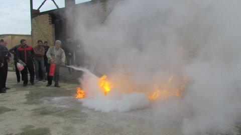برگزاری دوره آموزش کنترل و اطفاء حریق در مرکز آموزش فنی و حرفهای شهرستان بهار